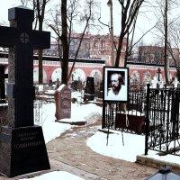 Крест на могиле А. Солженицына. :: Владимир Болдырев