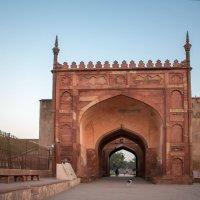 Индия.Вход в красный форт. :: юрий макаров
