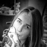 Очень часто человек оказывается умнее, чем ему это нужно для счастья. :: Наталья Александрова