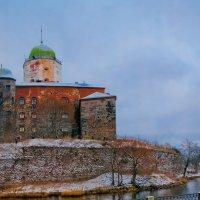 Выборгский замок 13 века. :: Валерий Носенко