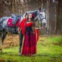Цыганка с лошадью :: Виктор Седов