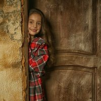 А вдруг за дверью чудеса....? :: Elena Fokina