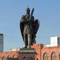 Памятник Дмитрию Донскому (Дзержинский) :: Александр Качалин