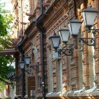 Фонарики центральной улицы. :: Alexey YakovLev