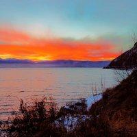 Закат на озере :: Анатолий Иргл
