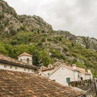 Крыши и горы :: Marina Talberga