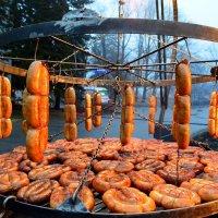 Колбаски готовы :: Ростислав