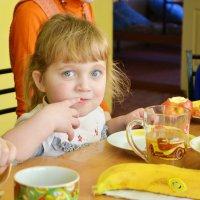 Не оставляйте детей! :: Yelena LUCHitskaya