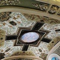 Потолок вестибюля оформлен арабесками :: Елена Павлова (Смолова)
