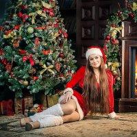 Снегурка у камина :: Виктор Седов