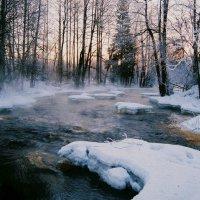 Морозное утро на реке :: Владислав Филипенко