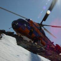 Высадка лыжников :: Юрий Петров