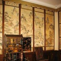 Комната, украшенная китайскими обоями :: Елена Смолова