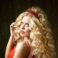 Gold in Red :: Максим Авксентьев