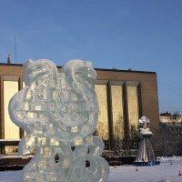 Новогодний городок у ГПНТБ на площади Пименова :: Наталья Золотых-Сибирская