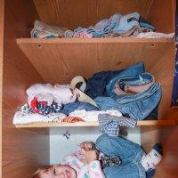 Шкаф, а как уютно!!! :: Андрей Синявин