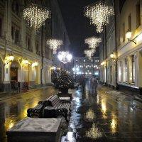 Люстры на улице это что-то) :: Ирина Князева