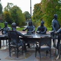 экспозиция в парке :: Дмитрий Денисов