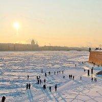 Морозный день на Неве :: Алексей Корнеев