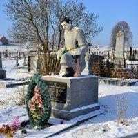 Сельское кладбище 100 км от Львова :: пан Шмулинсон