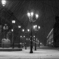 Утро, снегопад, Гоголь... :: LudmilaV ***