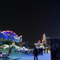 Театральная площадь Саратова :: Неля Дашкина