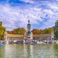 Воскресный день в парке Ретиро. Мадрид. :: Alex