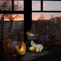 Натюрморт на фоне восхода :: Евгений Дубовцев