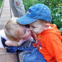 Первый поцелуй :: Юрий