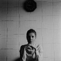 Портрет с часами :: Наталья Добролеженко