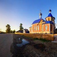 Михаил Устюжанин - Храм