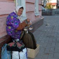 На улице :: Ирина Жовтяк