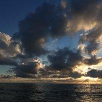 Закат после ненастья :: valeriy khlopunov