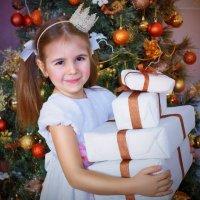 Кому подарочков?!!! :: Юлия Романенко