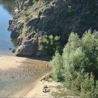 Кусочек пляжа. Вид сверху :: Нина Корешкова