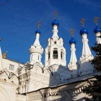 Храм Рождества́ Богоро́дицы в Пути́нках :: kolyeretka