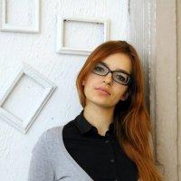 Она на работе! :: Илья Харламов