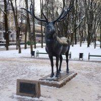 Памятник Оленю  в Парке «Блонье» (парк им. Глинки) г.Смоленск :: Galina Leskova