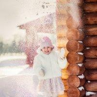 Вот она, настоящая зима! Вот оно, настоящее детство!!! :: Юлия Зубкова