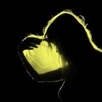 Свет от лампы в ночи :: Виктор Истомин