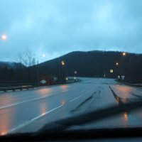 Утро, дорога после дождя :: Анатолий
