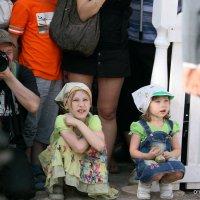 фотограф и дети :: Олег Лукьянов