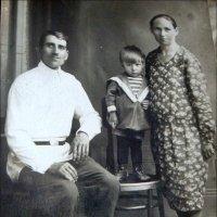 Семья. 1932 год :: Нина Корешкова