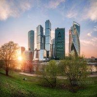 Двое и небоскребы :: Юлия Батурина