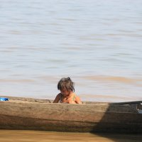 Девочка в лодке :: Дмитрий Максимовский
