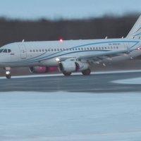 SSJ 100 - посадка. Реверс в сумерках. :: Alexey YakovLev