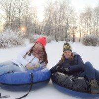 Ватрушки с зимними красавицами :: Екатерина Харитонова