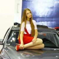 Заскучавшая модель. :: Валерий Гудков