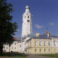 Надвратная церковь Сергия Радонежского с Часозвоней :: Виктор Мухин