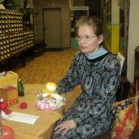 Екатерина Дмитриевна смастерила себе куколку оберег, которая поспособствует удаче отыскать свою нишу :: Ольга Кривых